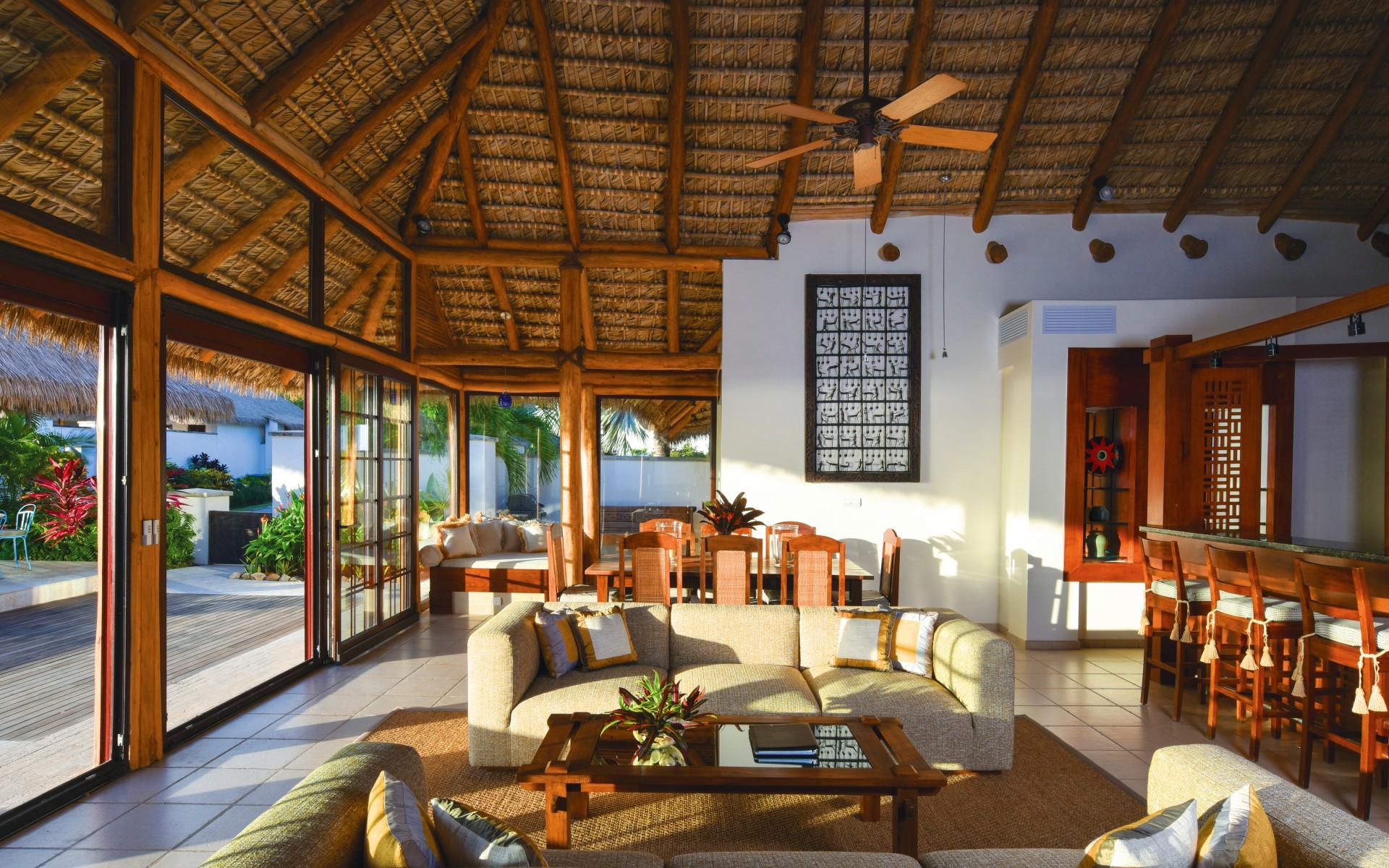 Luxury Caribbean villa sitting room